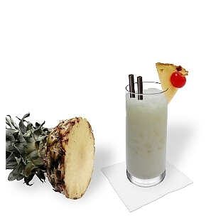 Longdrink- oder Hurricane-Gläser sind am besten für Batida de Coco geeignet.