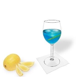 Weingläser sind für Blue Champagne eine gute Alternative zu Champagnergläser.