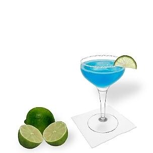 Eine weitere großartige Option für Blue Margarita, eine Cocktailschale.