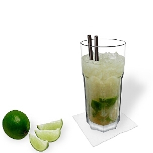 Caipiroska im Gibraltar Glas, die übliche Art diesen leckeren Sommer Drink zu servieren.