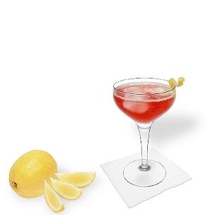 Cocktailschalen sind eine weitere gute Option für Cosmopolitan.