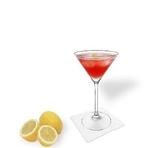 Cosmopolitan im Martini-Glas, die übliche Art diesen leckeren Wodka-Cocktail zu servieren.