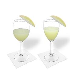 Frozen Melon Margarita im Weiß- und Rotweinglas