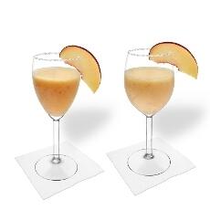 Pfirsich Margarita im Weiß- und Rotweinglas