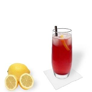 Long Beach Ice Tea im Longdrinkglas, die übliche Art diesen straken Party-Cocktail zu servieren.