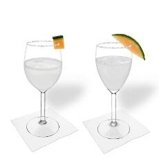 Melonen Margarita im Weiß- und Rotweinglas