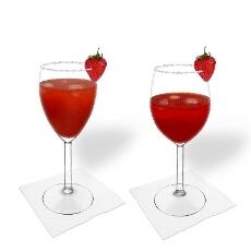Erdbeer Margarita im Weiß- und Rotweinglas